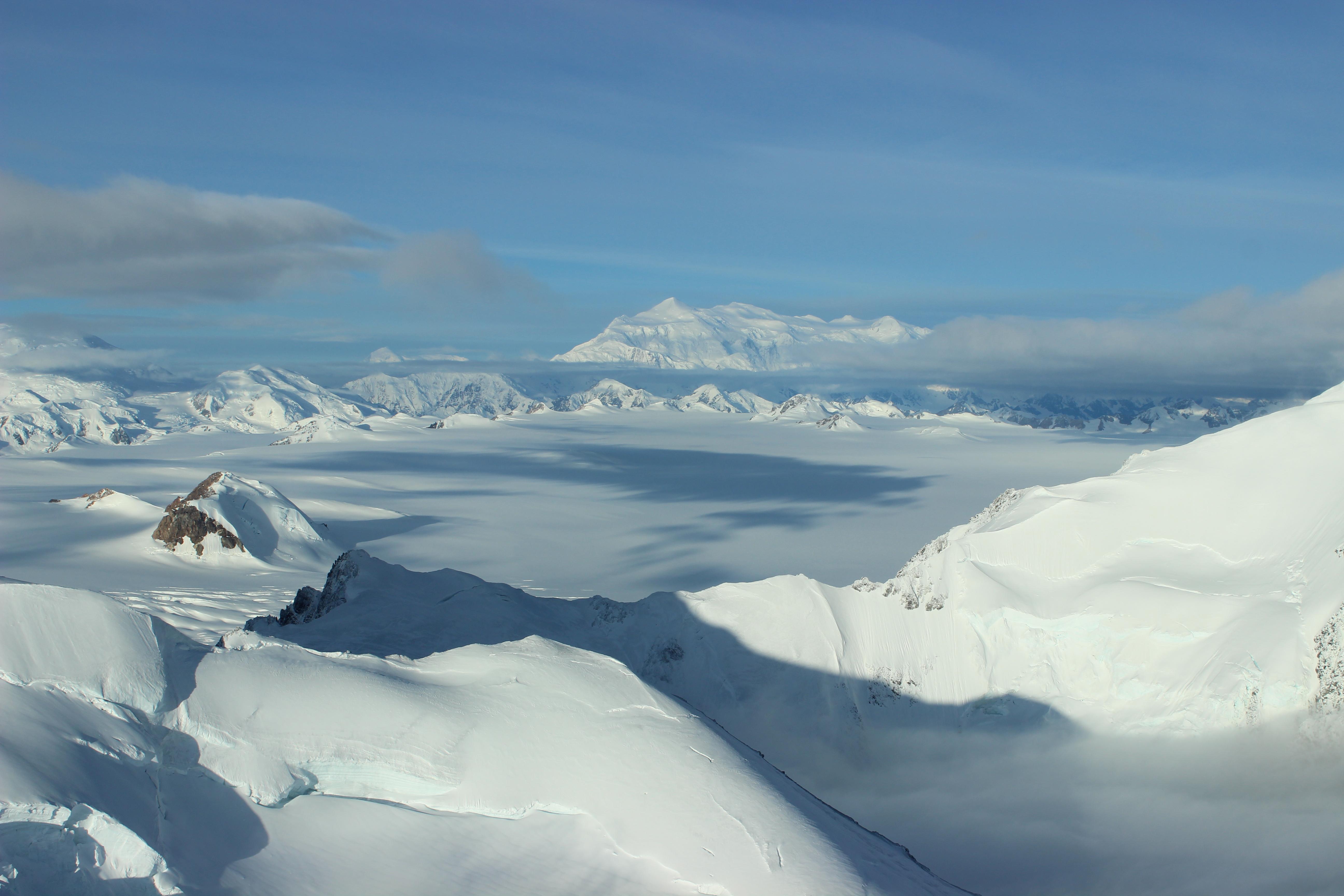 Vol au dessus d'un glacier