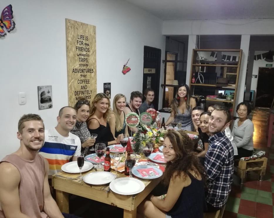 Noël en helpx à l'Amazonia à Medellin