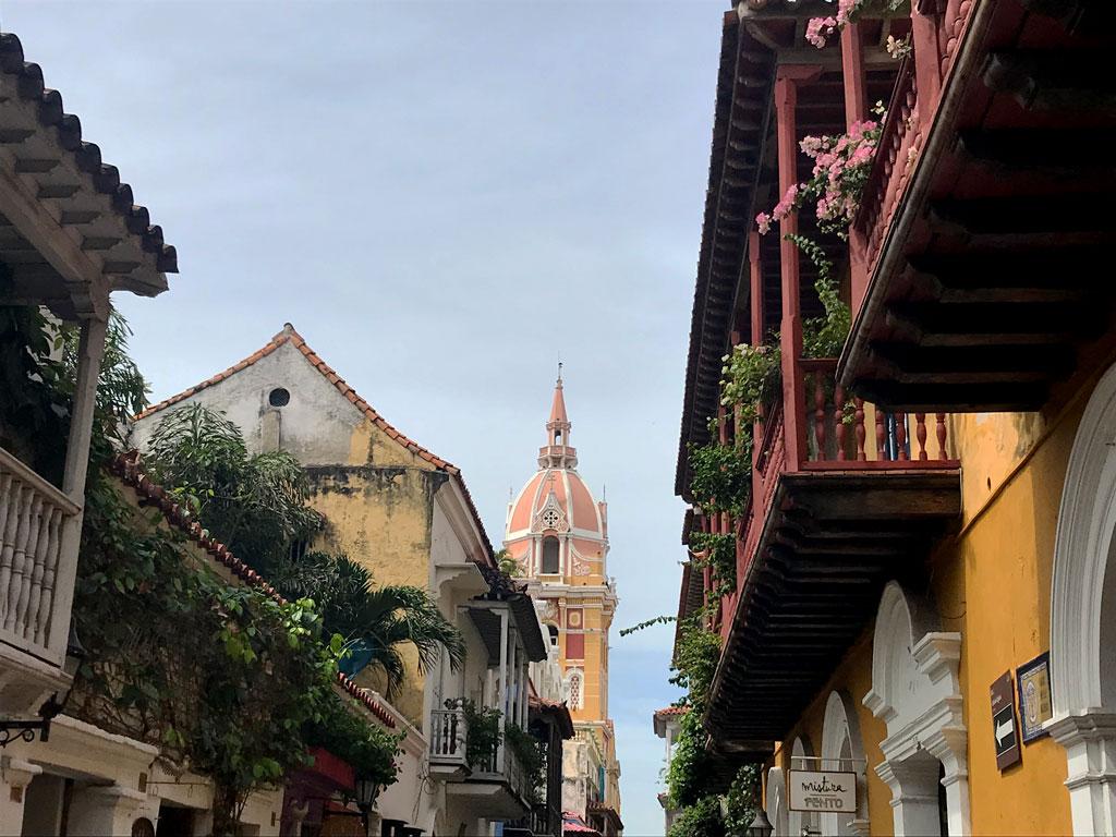Les balcons coloniaux de Carthagène en Colombie